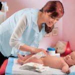 Уход за кожей новорождённого ребёнка.