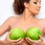 Подтянутая, пышная, красивая, женская грудь.
