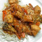 Курица в духовке по азиатски в кислом соусе.